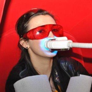 салон по отбеливанию зубов